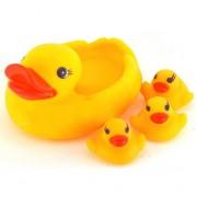 Игрушки для купания в ванной уточки