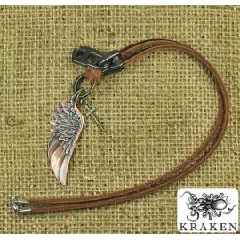 Кулон из металла на кожаном шнурке Бронзовое Крыло