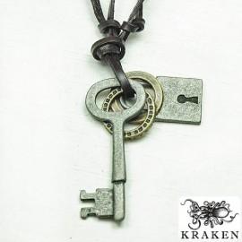 Кулон из металла на кожаном шнурке Ключ и Замок