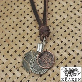 Кулон из металла на кожаном шнурке Abercrombie and Fitch